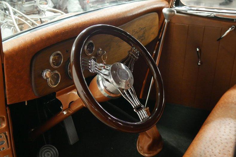 1934 Ford 5-Window 37