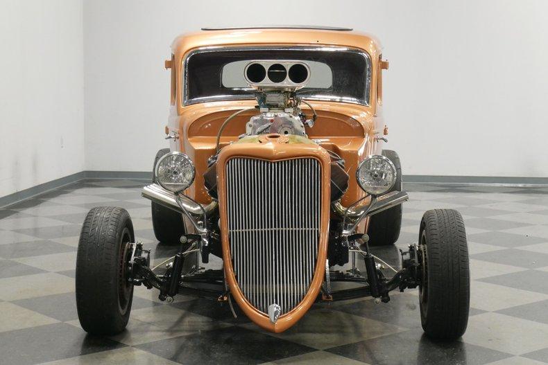 1934 Ford 5-Window 19