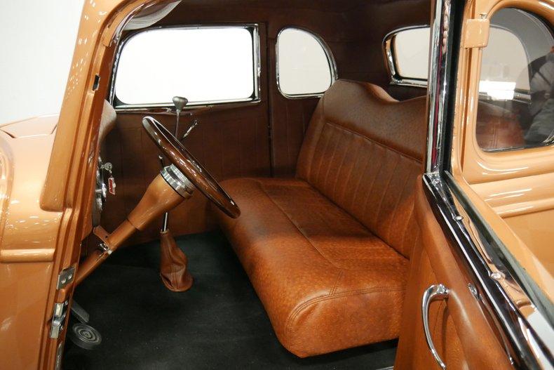 1934 Ford 5-Window 4