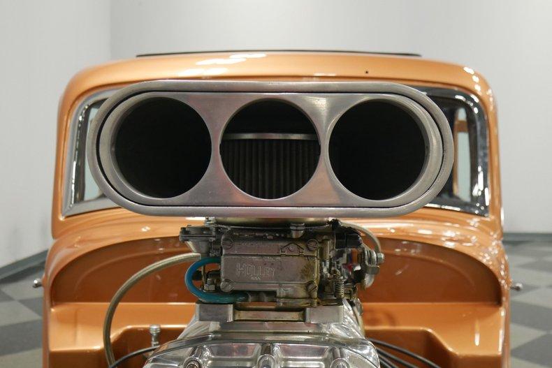 1934 Ford 5-Window 30