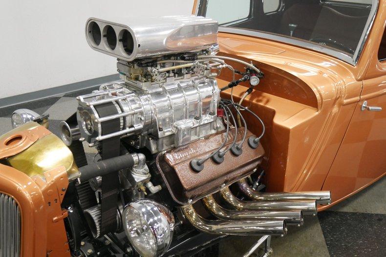 1934 Ford 5-Window 3