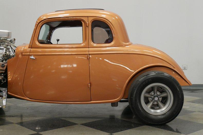 1934 Ford 5-Window 24