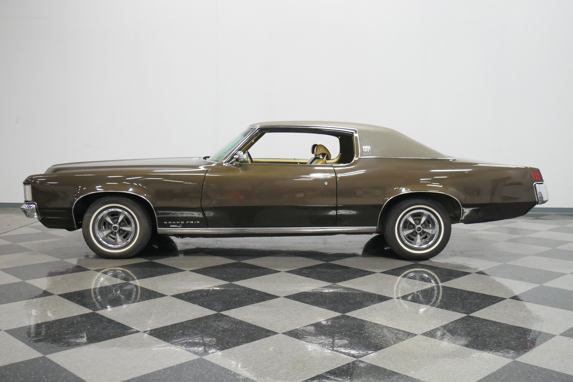 1969 pontiac grand prix model j