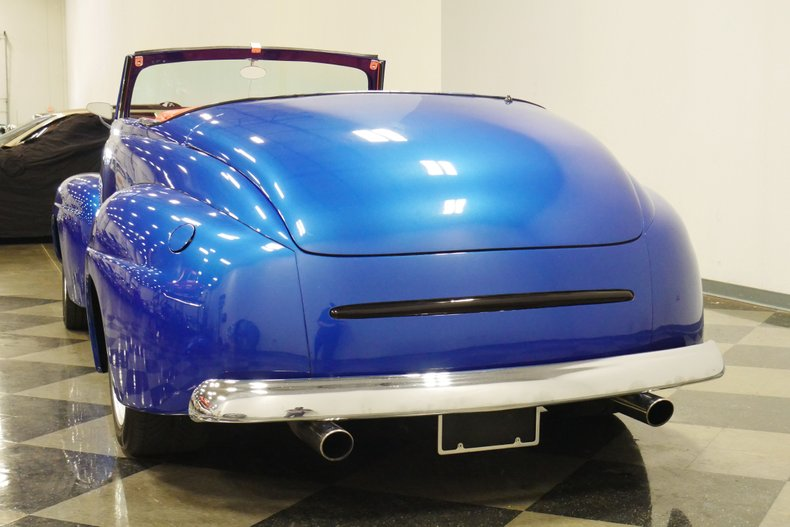 1948 Ford Roadster 28