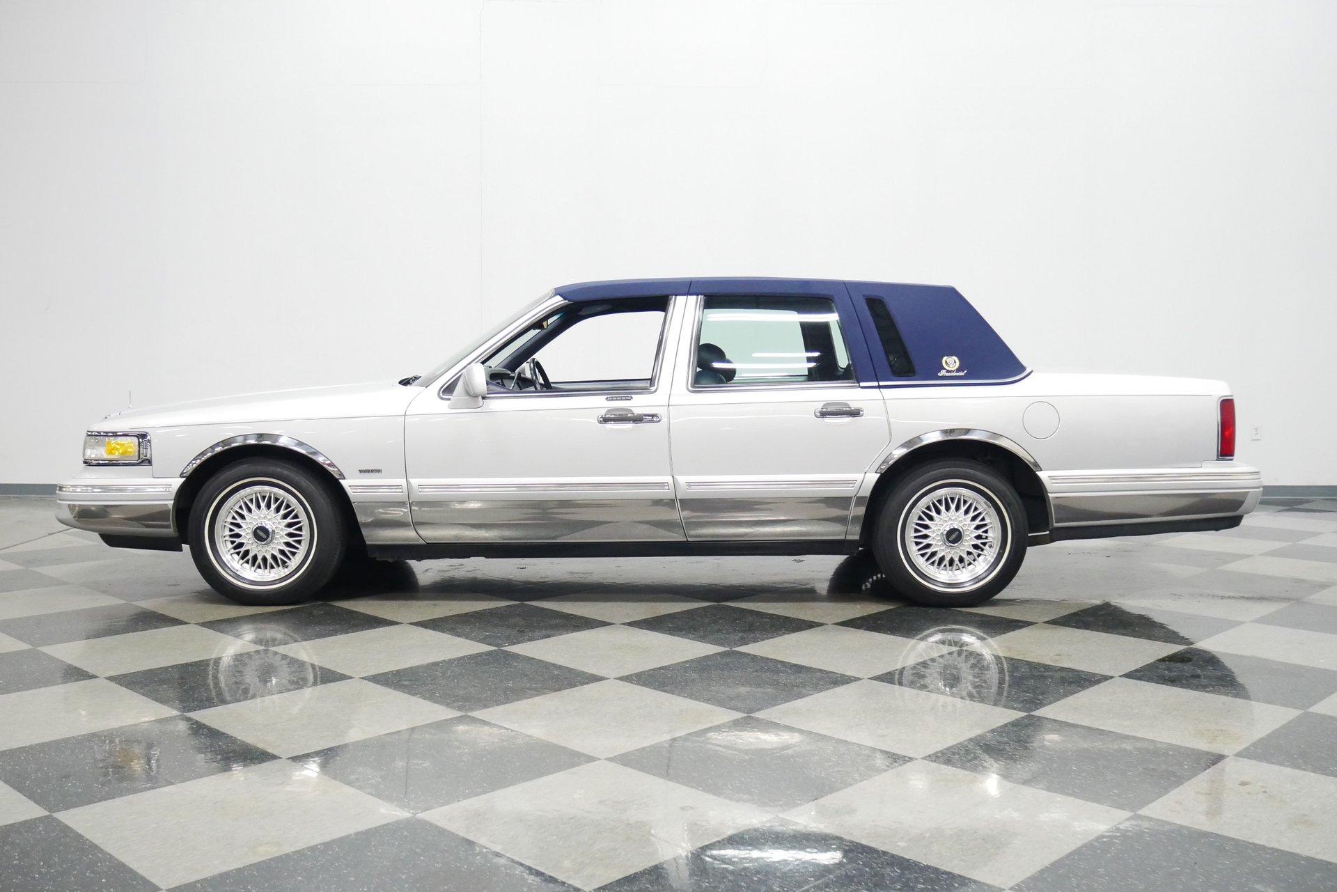 1996 lincoln town car presidential series
