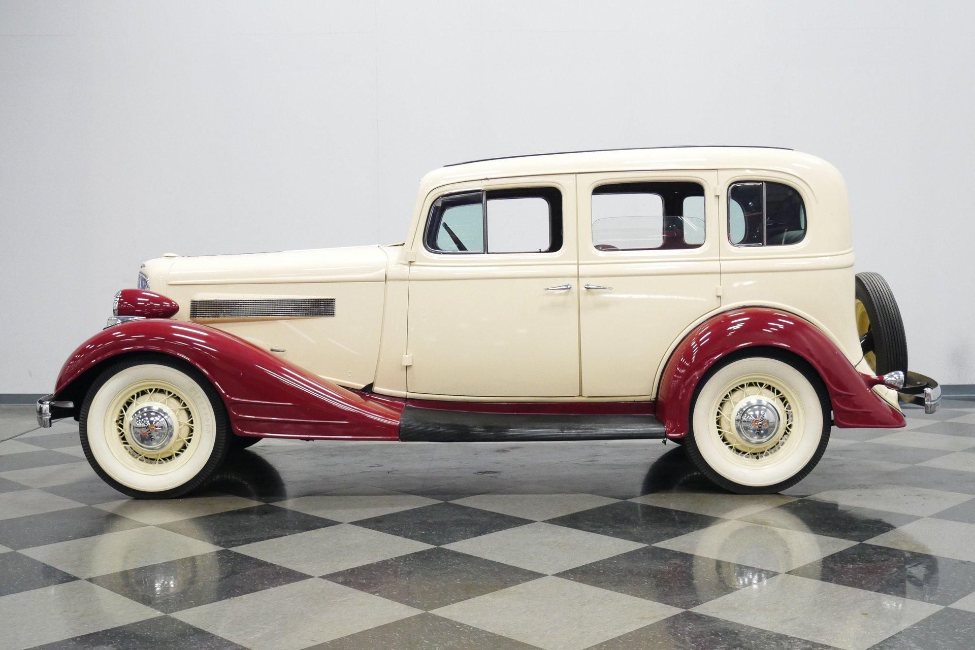 1934 pontiac 8 sedan