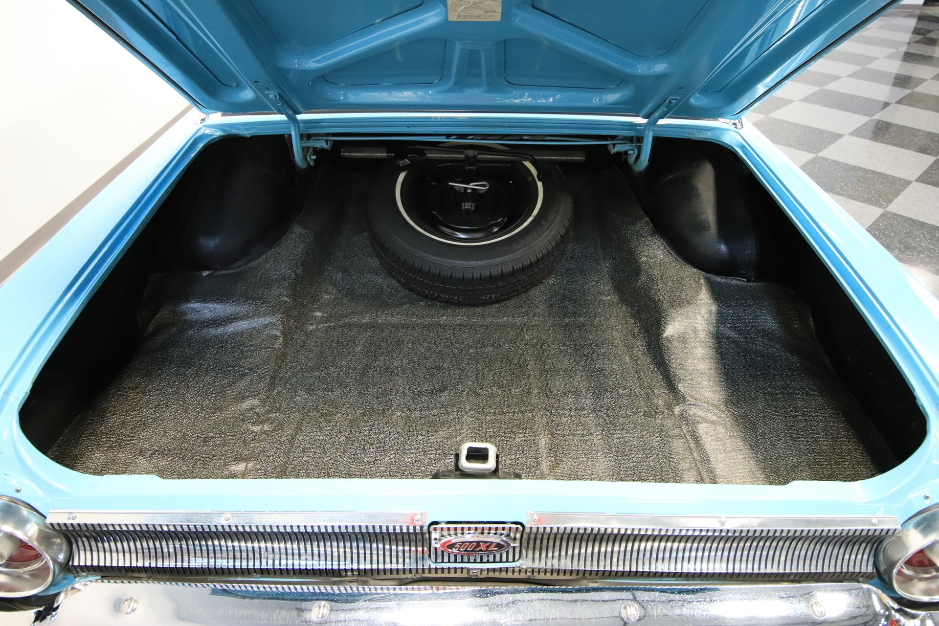 1962 Ford Galaxie Streetside Classics The Nation S Trusted