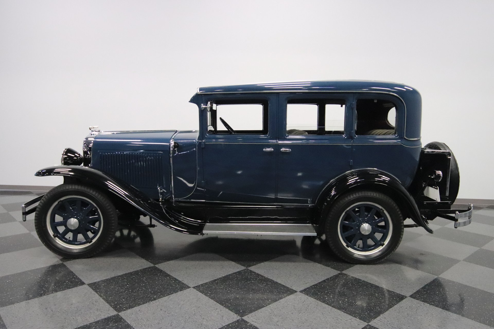 1929 pontiac sedan
