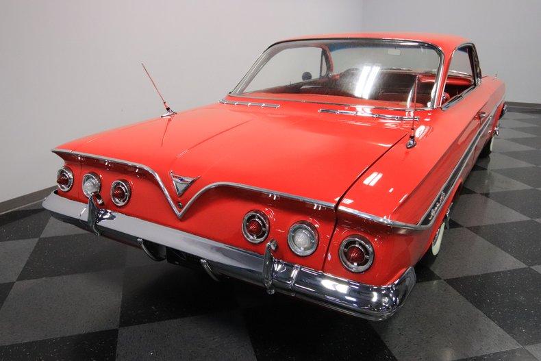1961 Chevrolet Impala 12
