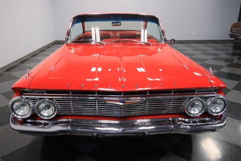1961 Chevrolet Impala 19
