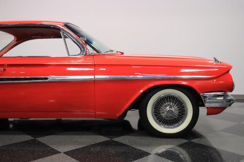 1961 Chevrolet Impala 40