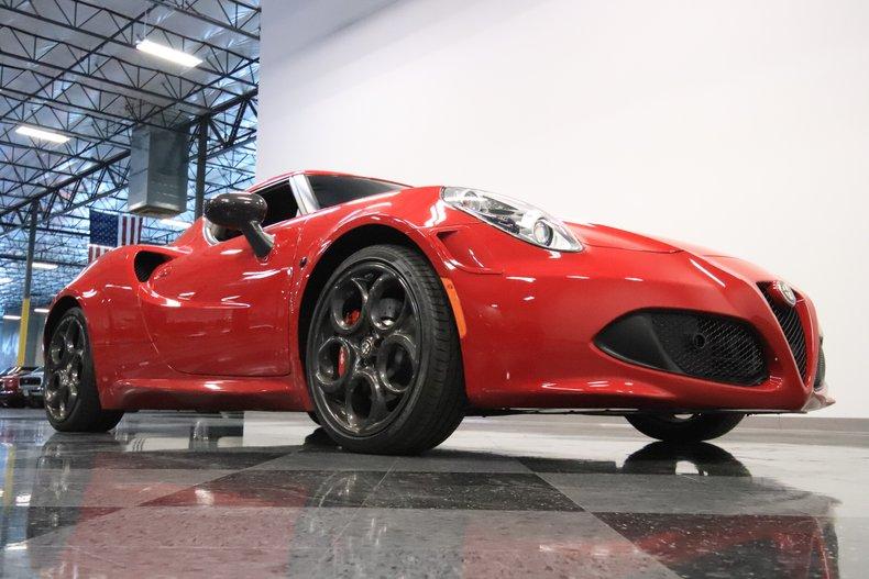 2015 Alfa Romeo 4C 34