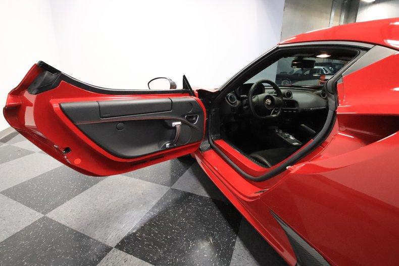 2015 Alfa Romeo 4C 41