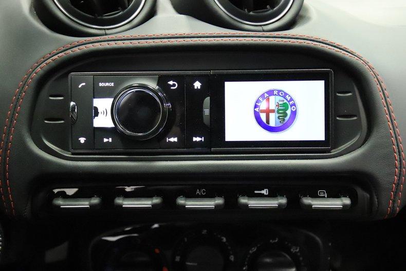 2015 Alfa Romeo 4C 48