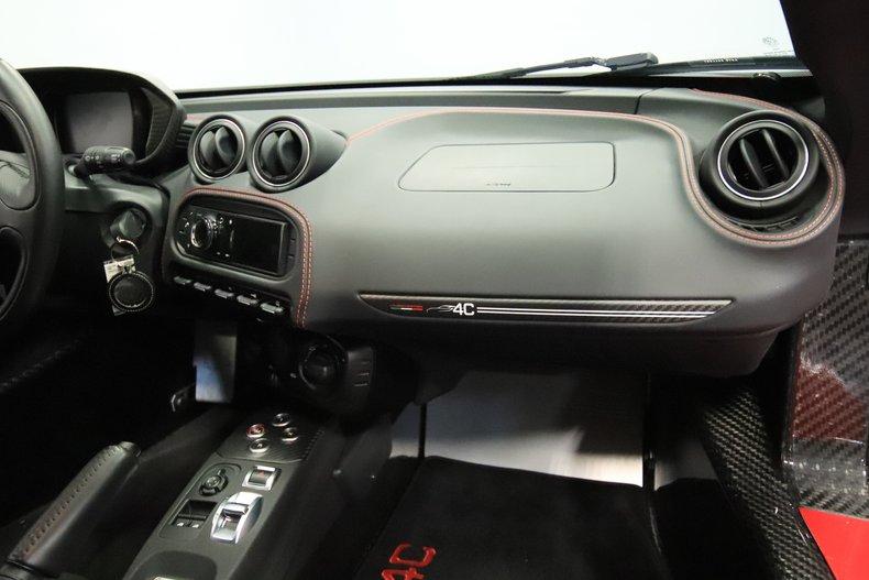 2015 Alfa Romeo 4C 61