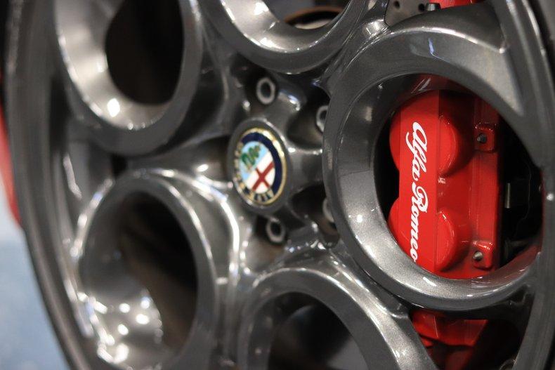 2015 Alfa Romeo 4C 76