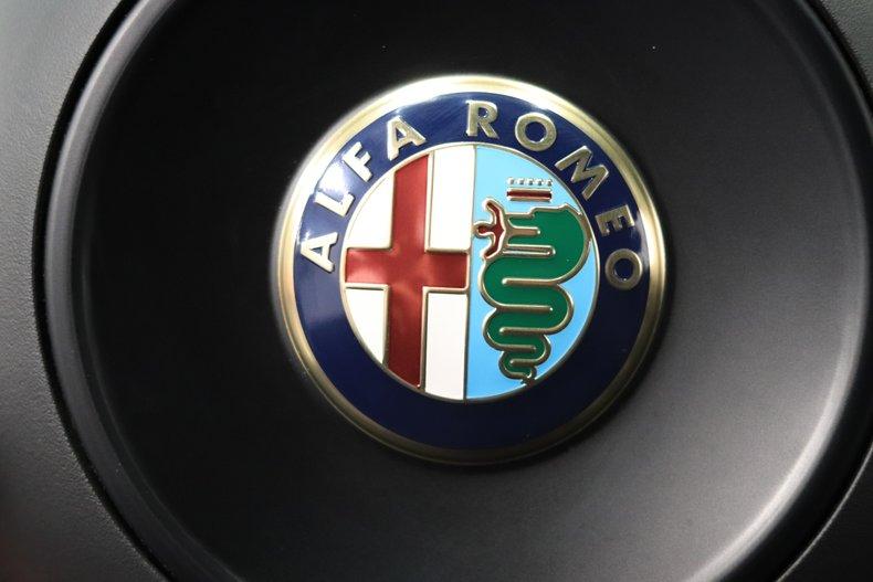 2015 Alfa Romeo 4C 80