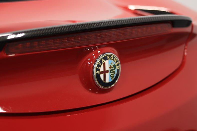 2015 Alfa Romeo 4C 82