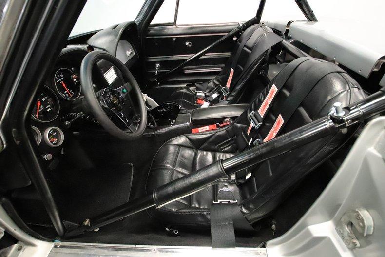 1965 Chevrolet Corvette 4