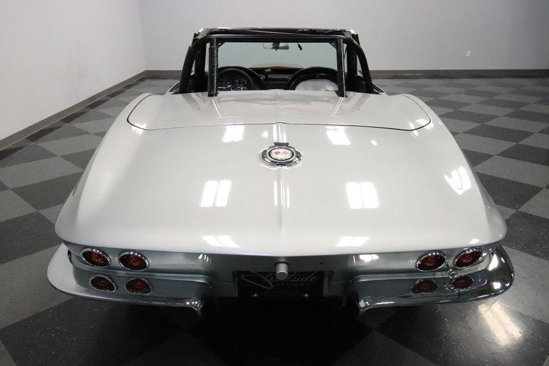 1965 Chevrolet Corvette 11