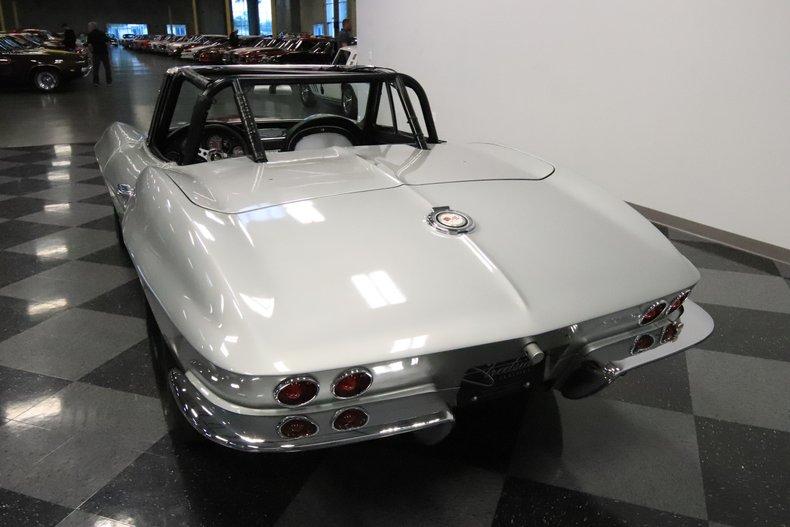 1965 Chevrolet Corvette 10