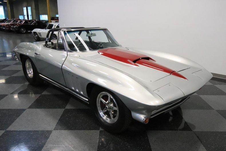 1965 Chevrolet Corvette 17