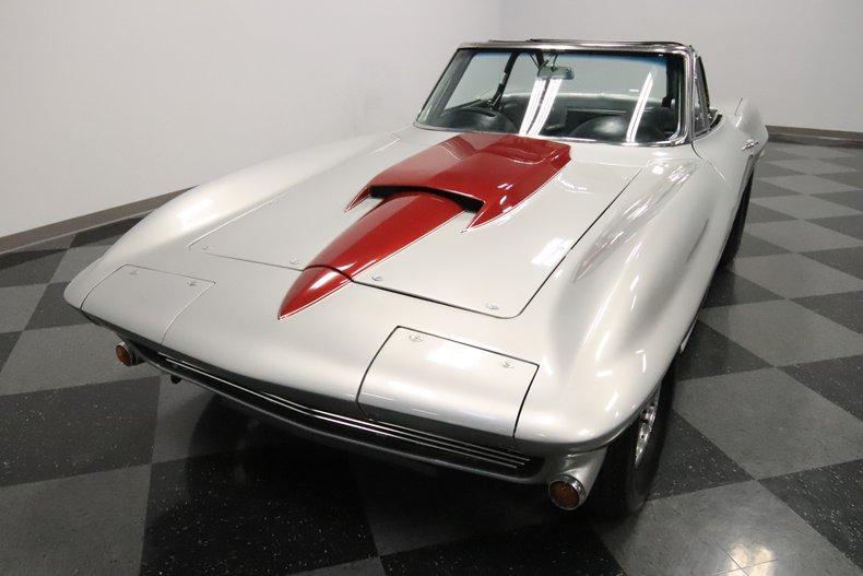 1965 Chevrolet Corvette 20