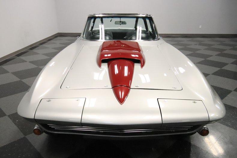 1965 Chevrolet Corvette 19