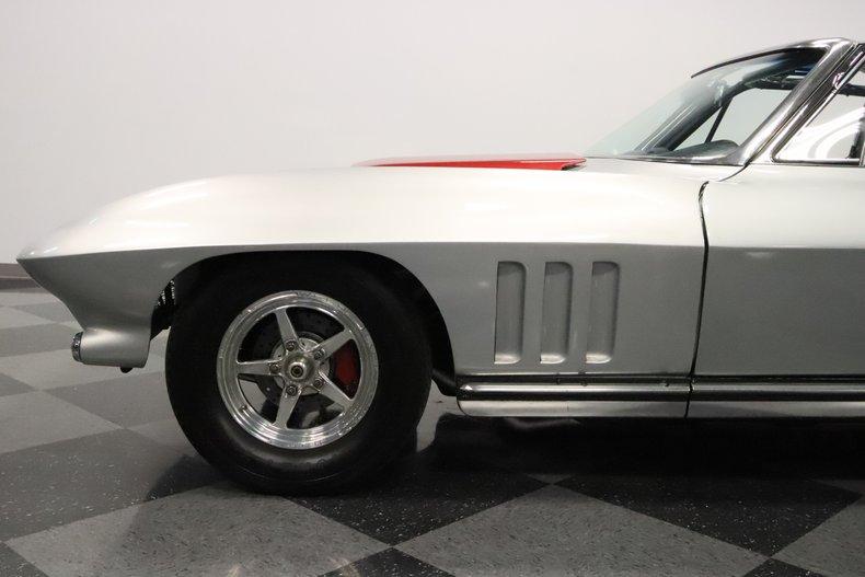 1965 Chevrolet Corvette 28