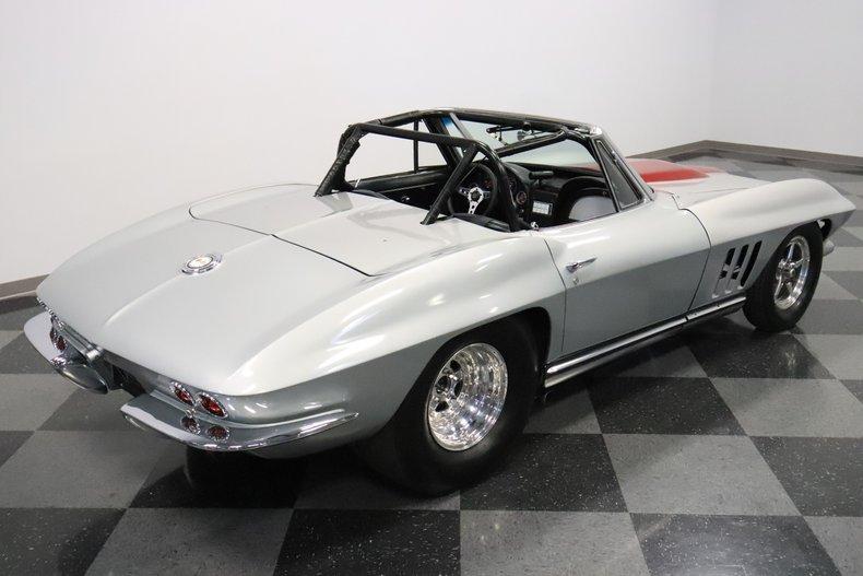 1965 Chevrolet Corvette 31