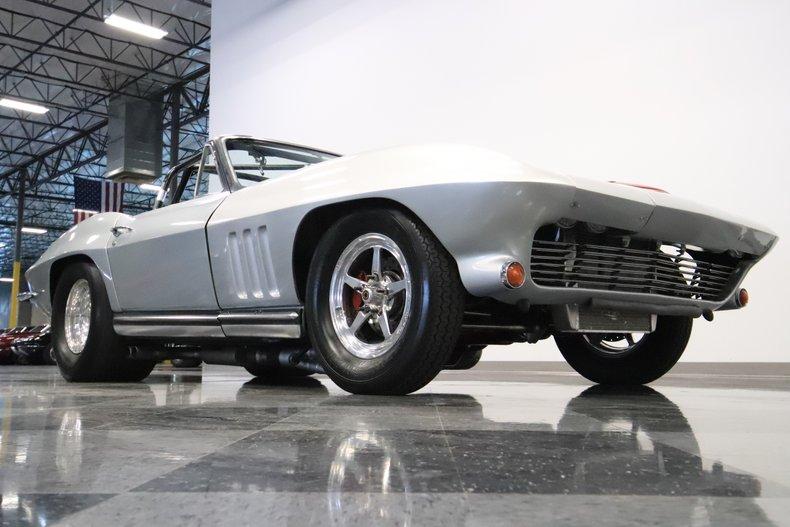 1965 Chevrolet Corvette 37