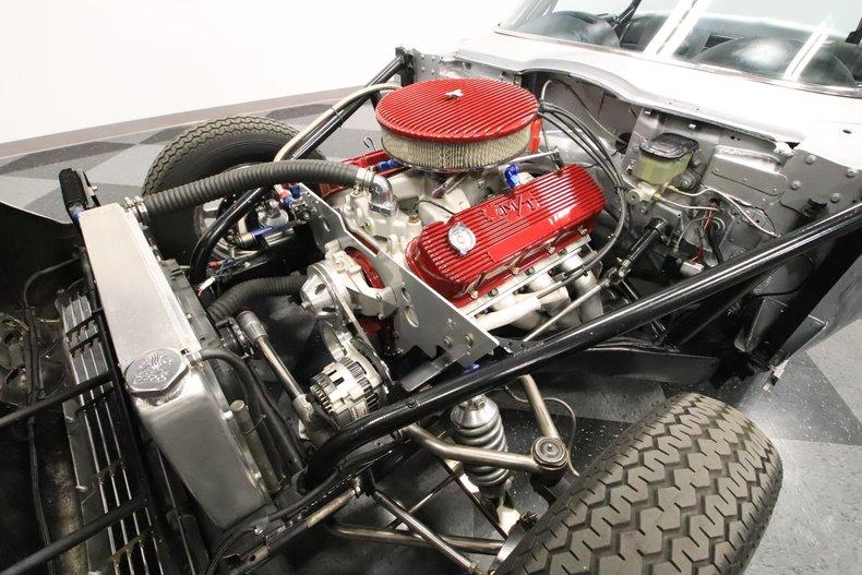 1965 Chevrolet Corvette 39