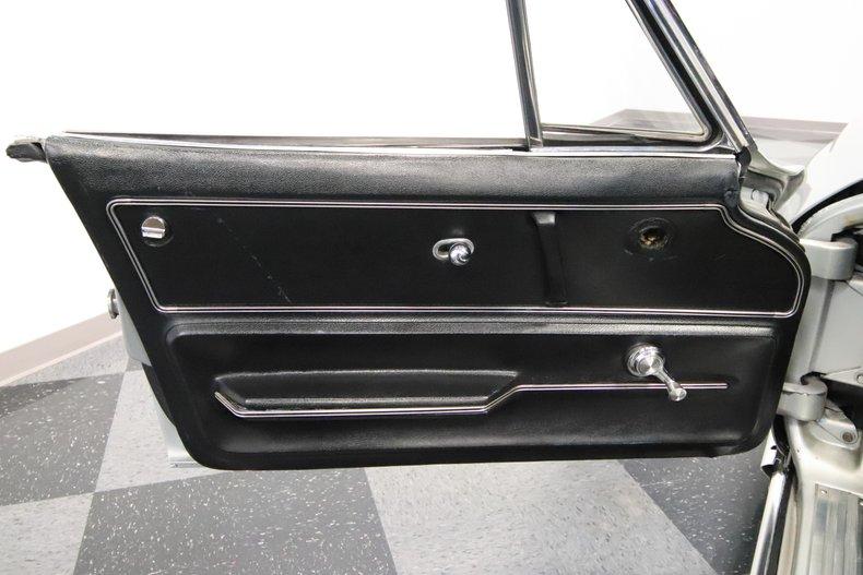 1965 Chevrolet Corvette 42