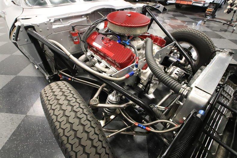 1965 Chevrolet Corvette 40
