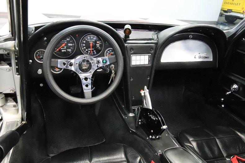 1965 Chevrolet Corvette 43