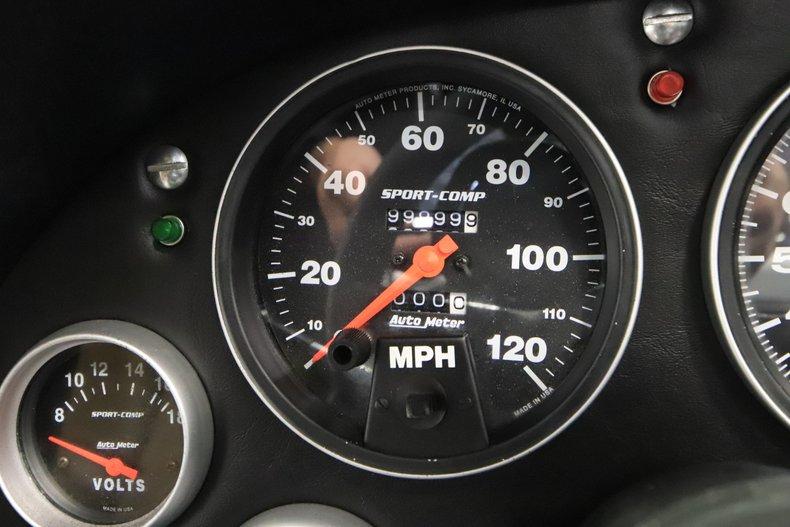 1965 Chevrolet Corvette 46