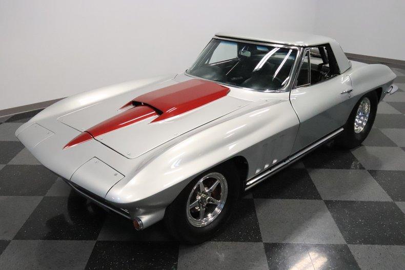 1965 Chevrolet Corvette 22