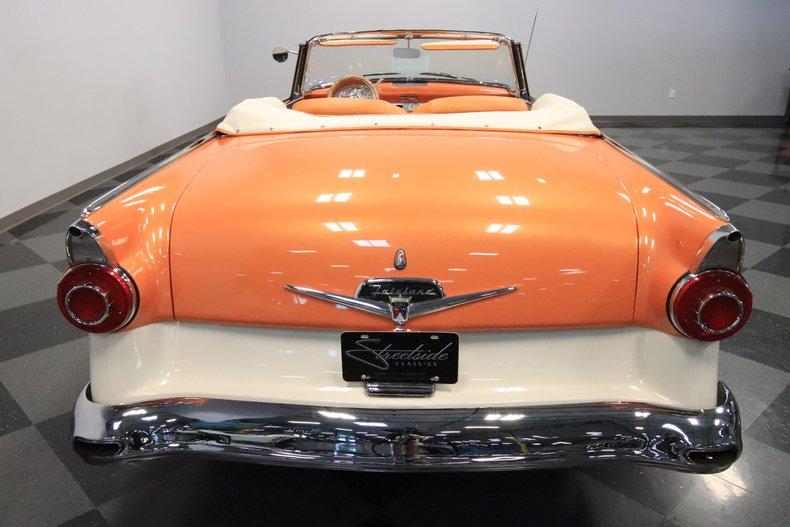1956 Ford Sunliner 11