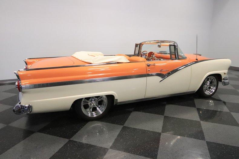 1956 Ford Sunliner 14