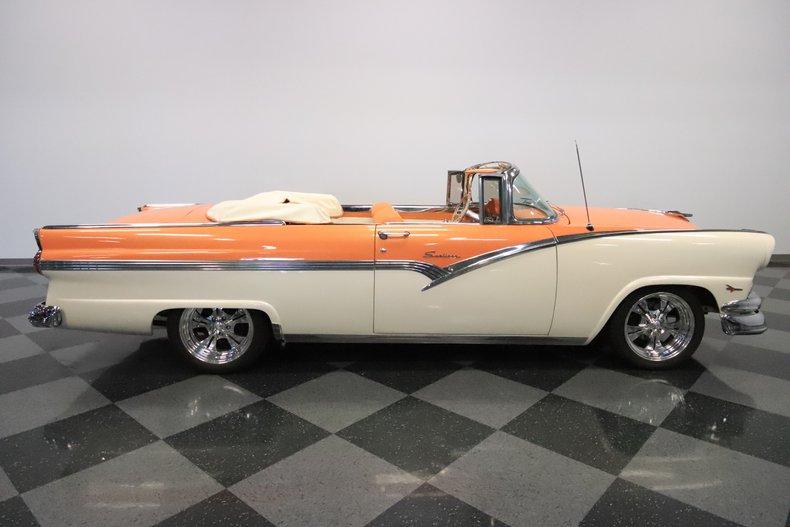 1956 Ford Sunliner 15