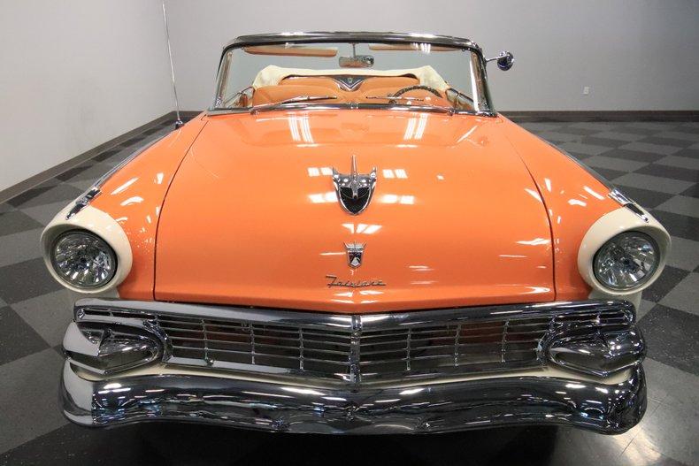 1956 Ford Sunliner 19