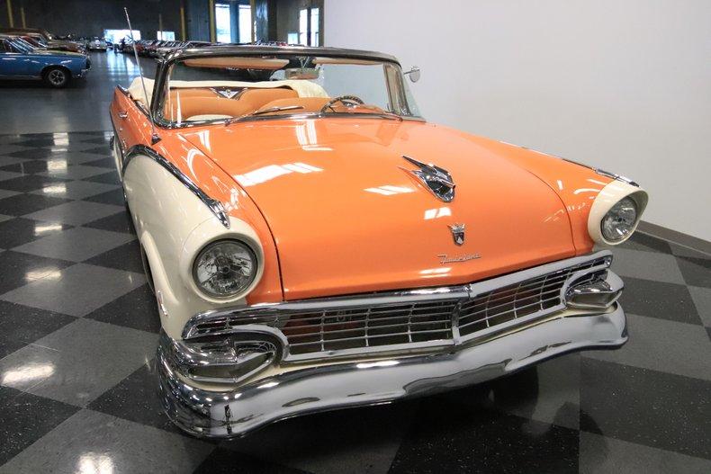 1956 Ford Sunliner 18