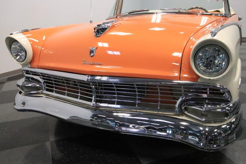 1956 Ford Sunliner 25