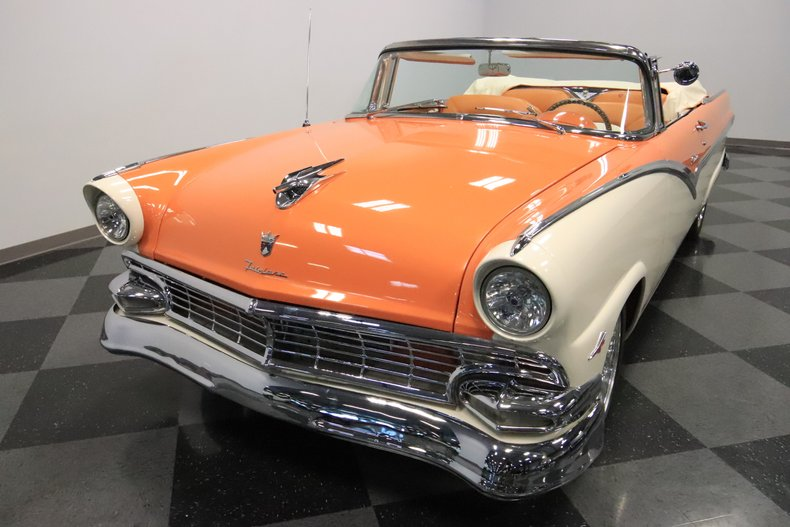 1956 Ford Sunliner 20