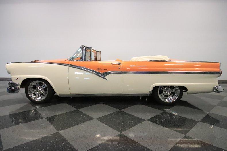 1956 Ford Sunliner 27