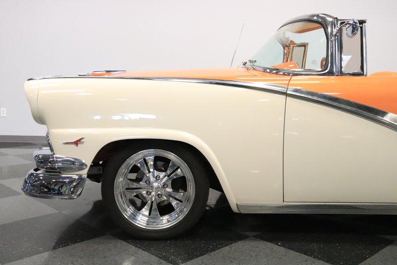 1956 Ford Sunliner 28