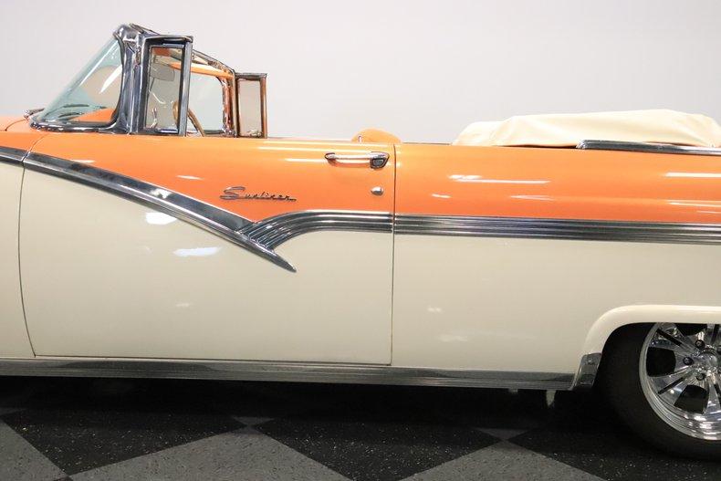 1956 Ford Sunliner 29