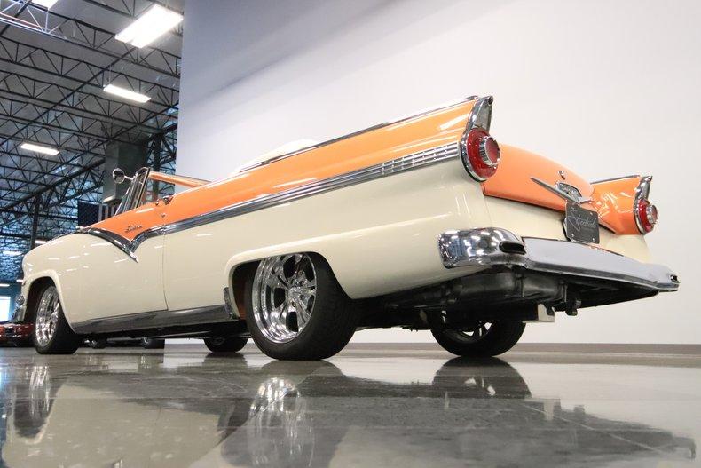 1956 Ford Sunliner 31