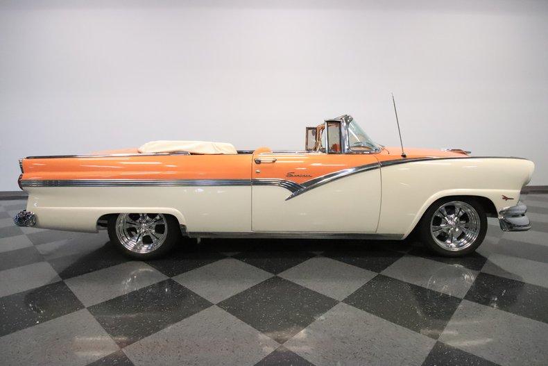1956 Ford Sunliner 35