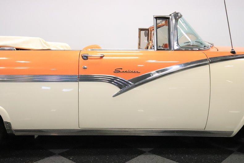 1956 Ford Sunliner 37